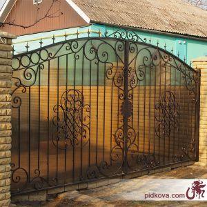 Распашные листовые ворота