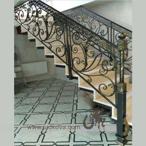 Кованая лестница в классическом стиле