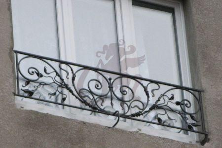 Французский балкон Лоза