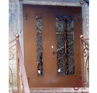 Кованые двери с узором