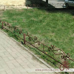 Кованое газонное ограждение