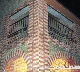 Кованые перила на балкон гнутые