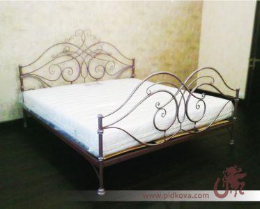 Кованая стальная кровать