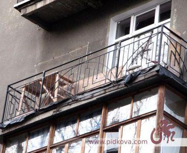 Перила на балкон геометрия