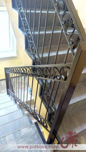"""Перила на лестницу """"фриз с листиками"""""""