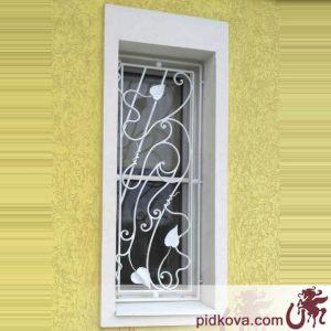 Кованая решётка на окно