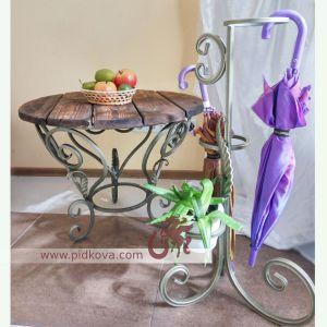 Кованые стол и подставка под зонты