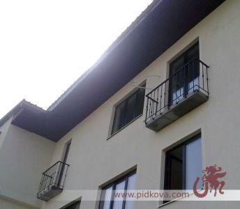 Строгие перила на балкон