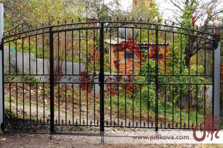Кованые ворота, четыре створки.