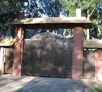 Ворота в замковом стиле