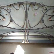 Кованая кровать в разобранном виде