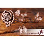 Стальная роза ручной ковкой
