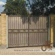 кованые ворота с листом