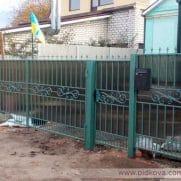 Распашные ворота зашитые поликарбонатом