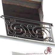 кованый французский балкон классика