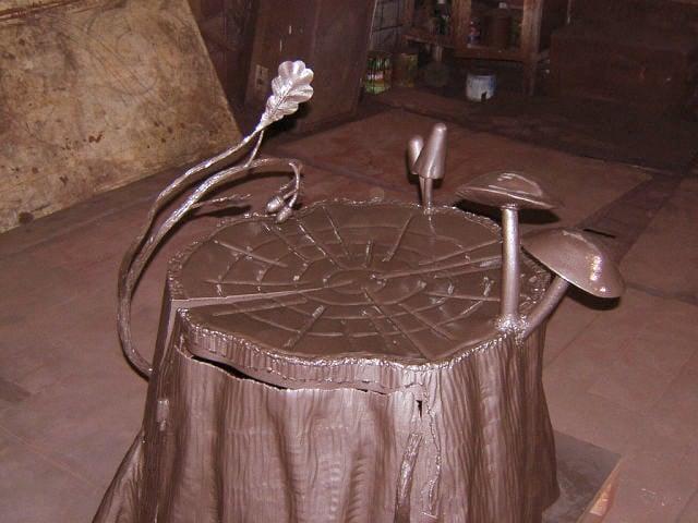 кованый пенек для скрытия проводов