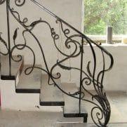 кованые перила ограждения лестницы