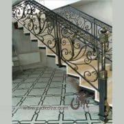 кованые перила на лестницу с меандрами